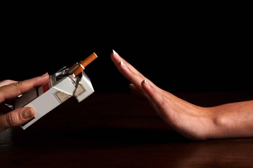 Merokok Picu Uban dan Kebotakan