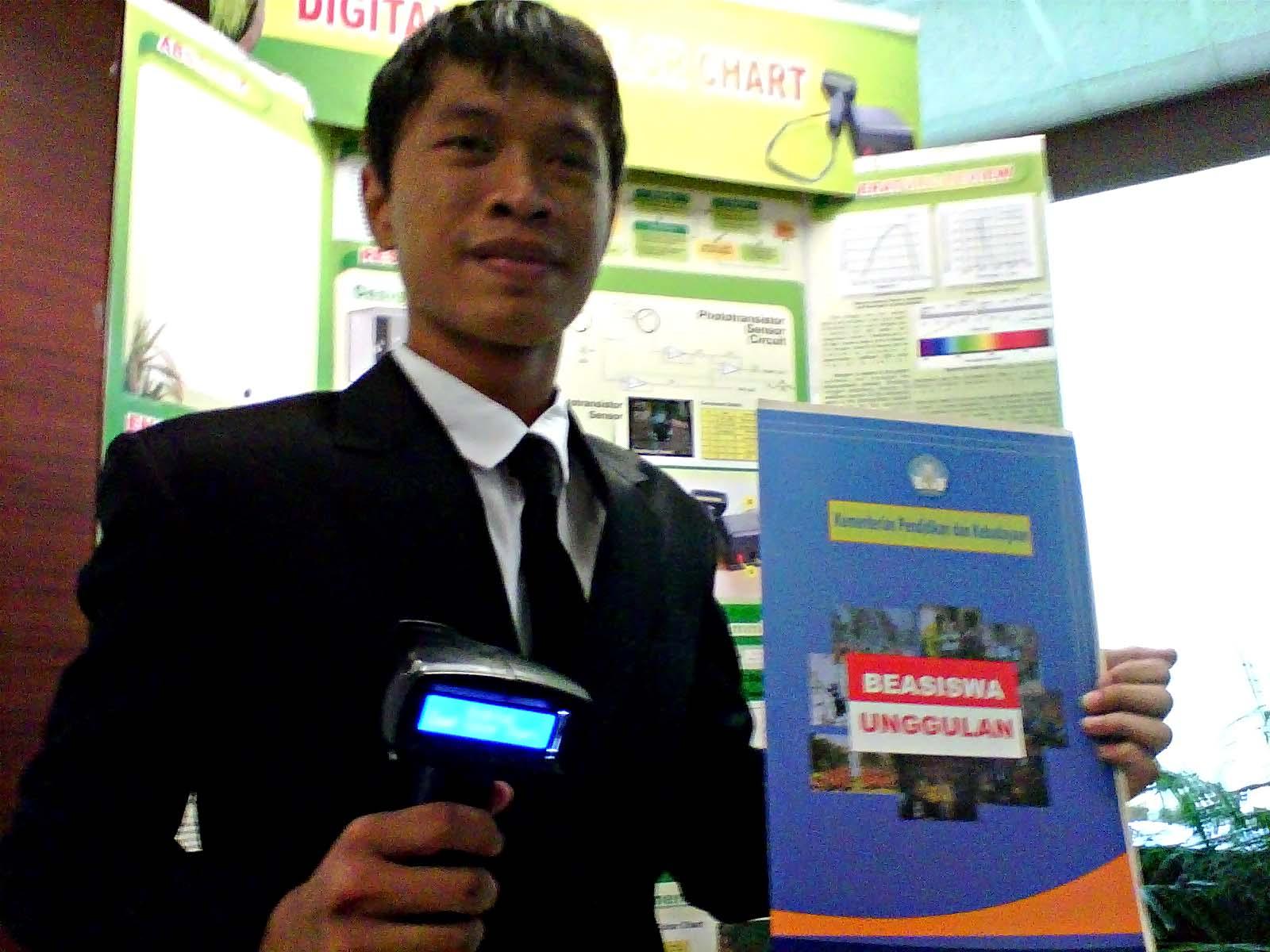 seorang pelajar Indonesia, mampu mengharumkan nama bangsa