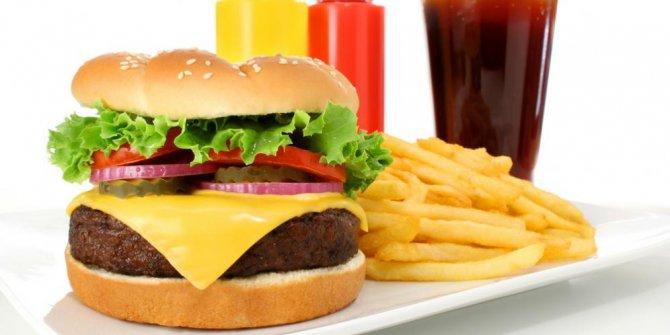 Makanan ini menurunkan kecerdasan otak