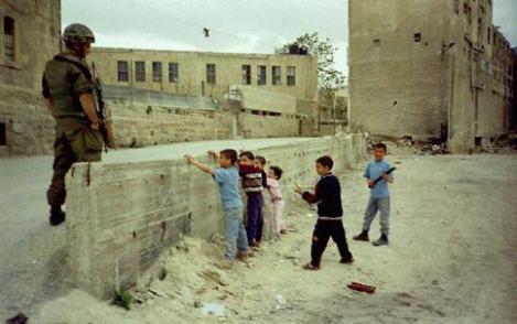 Jika Kamu Membeli Barang Itu, Ada Anak Palestina yang Mati